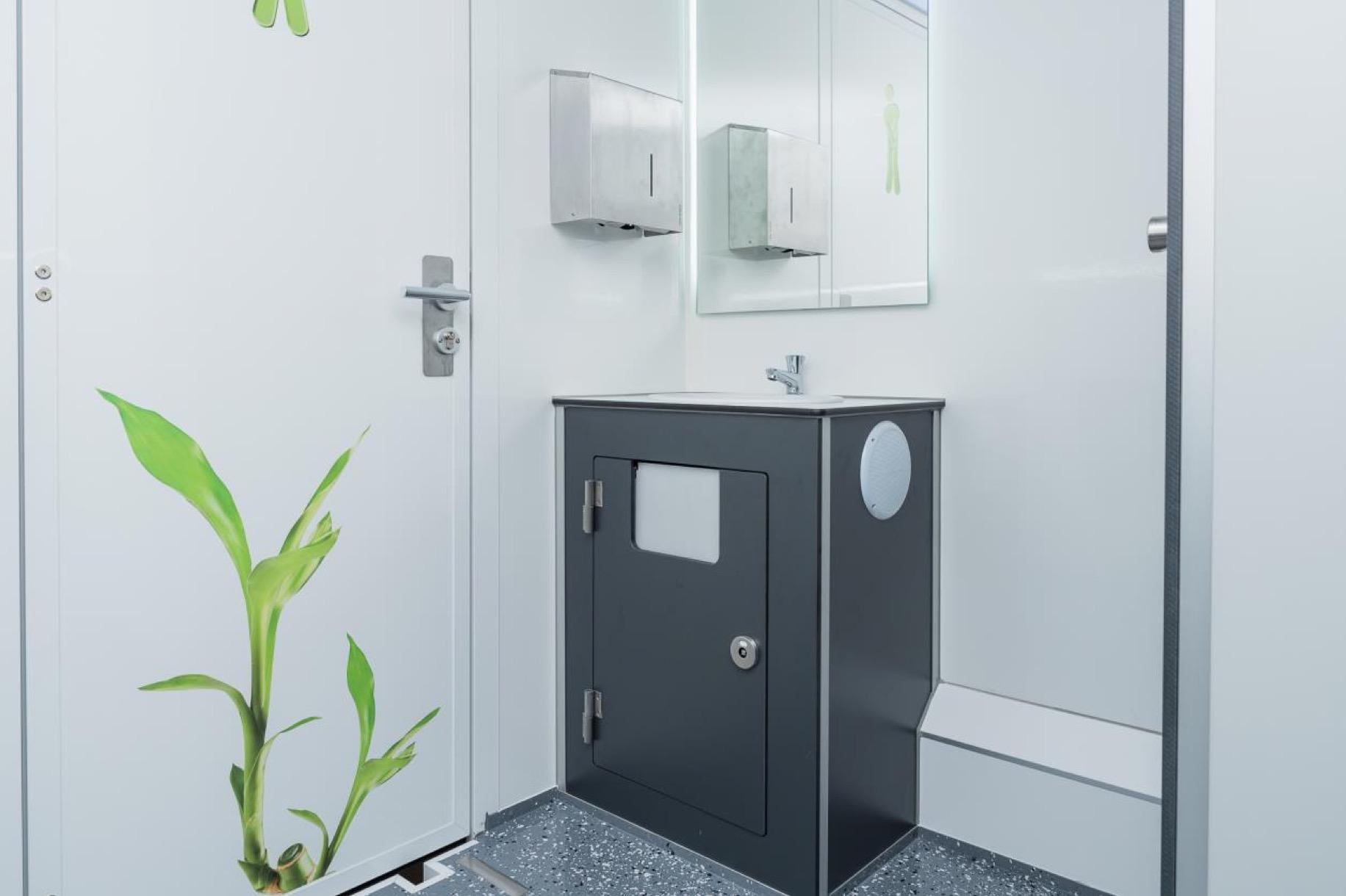 Cabina Bagno Chimico : Bagni mobili e bagni chimici noleggio trasporto e montaggio
